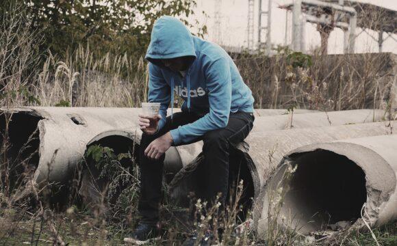 Alkoholizm nieletnich i sytuacja prawna w Polsce
